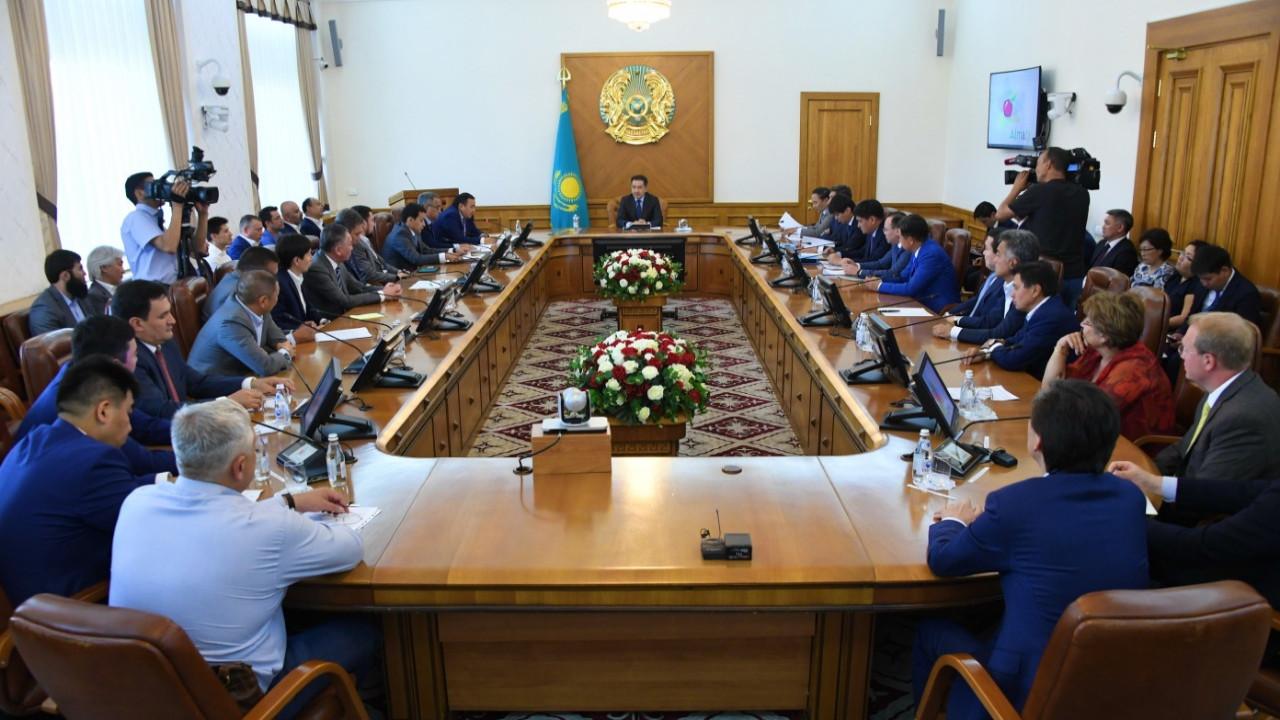 Бақытжан Сағынтаев Алматы кәсіпкерлерімен кездесті