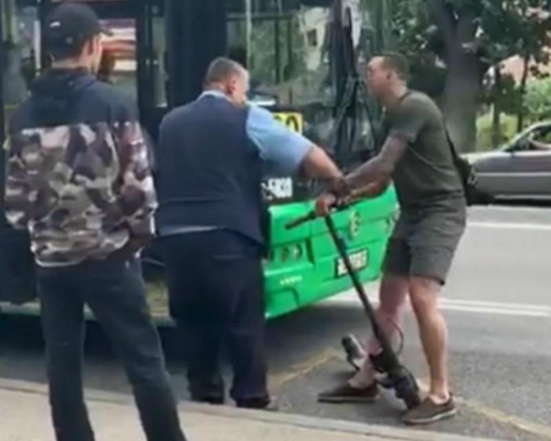 Дорожные противостояния: водитель автобуса доставлен в больницу