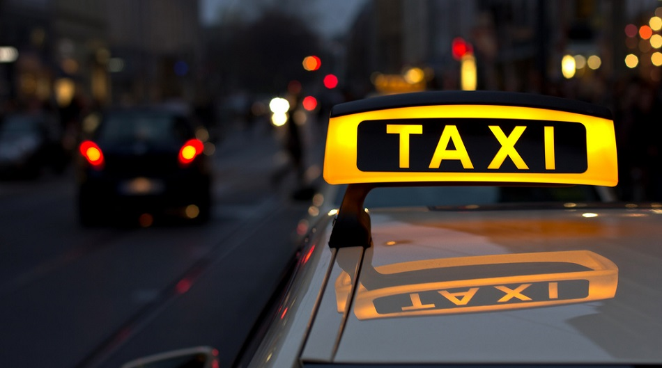 Таксист обманул туриста в Алматы