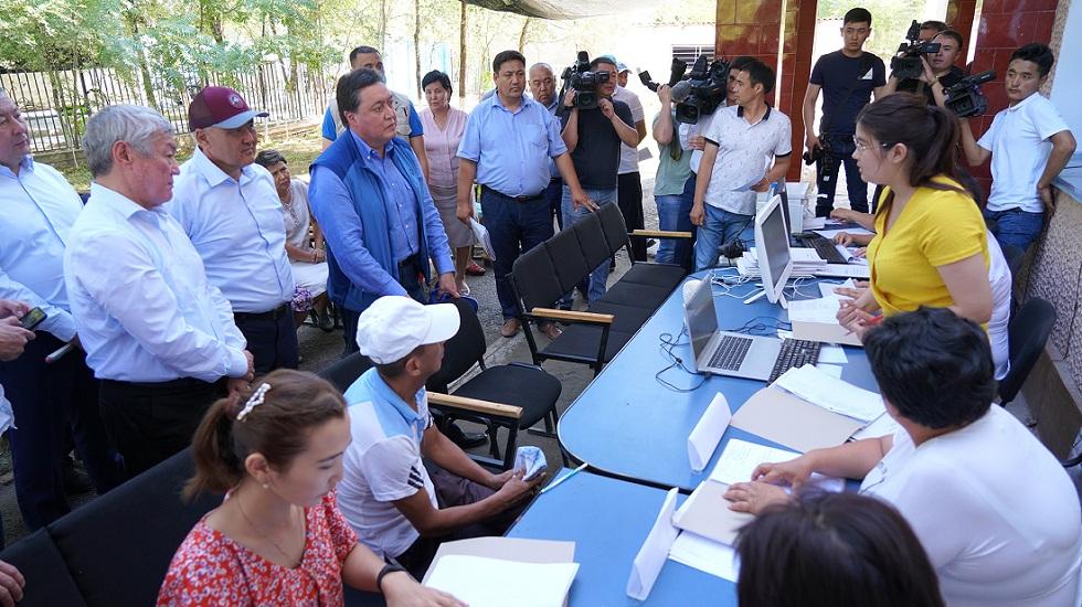 Премьер-министр РК проинспектировал ход восстановительных работ в Арыси
