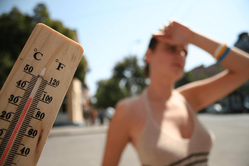 Штормовое предупреждение из-за жары объявили в Казахстане