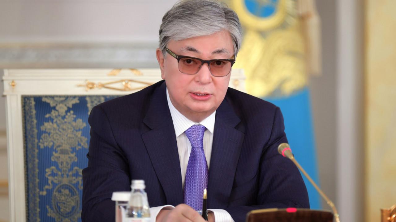 Президент объявил строгий выговор министру обороны за взрывы в Арыси