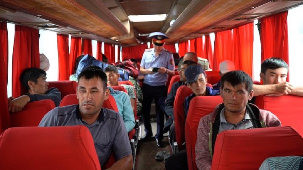 Полиция выдворяет нелегалов на севере Казахстана