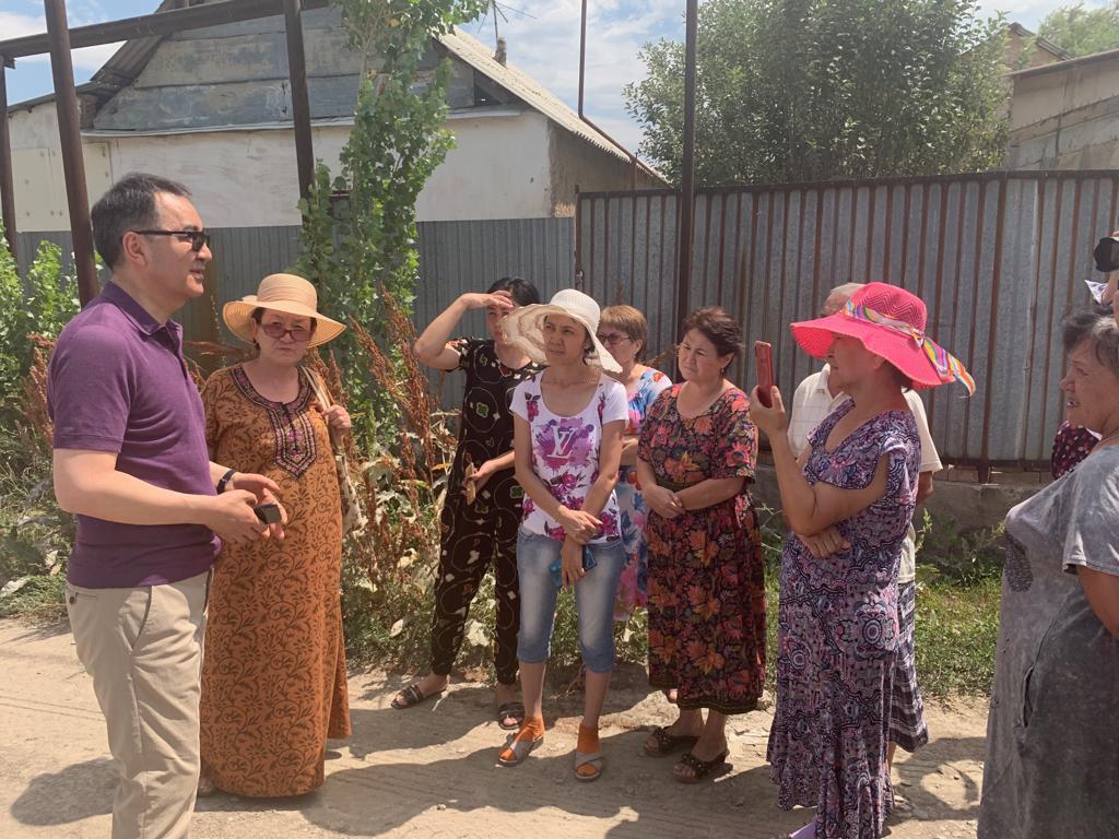 Жители Алатауского района рассказали Бакытжану Сагинтаеву о своих проблемах