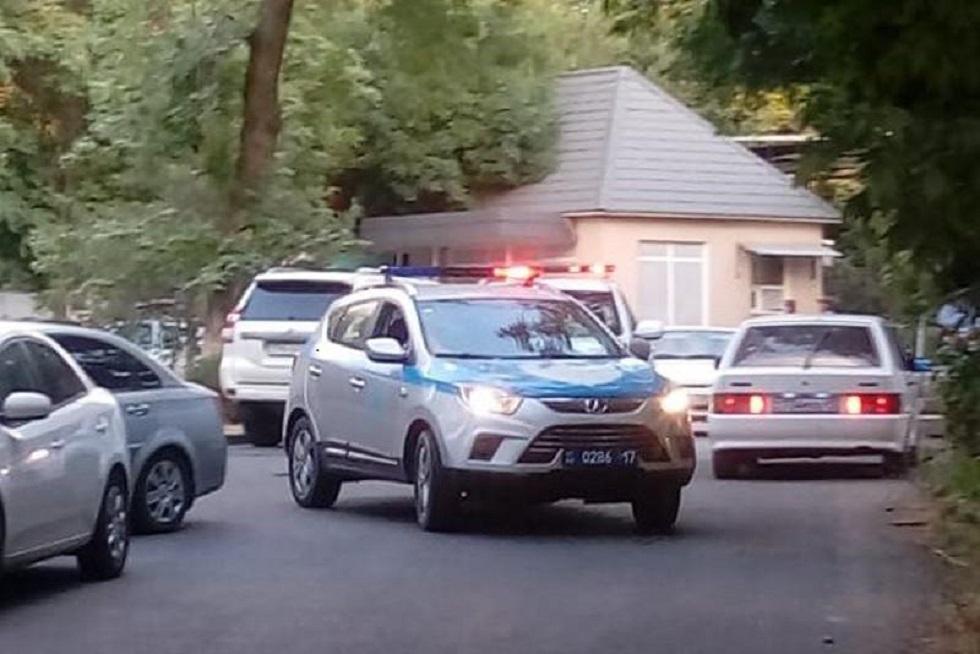 В заброшенном гараже Шымкента нашли тело четырехлетней девочки