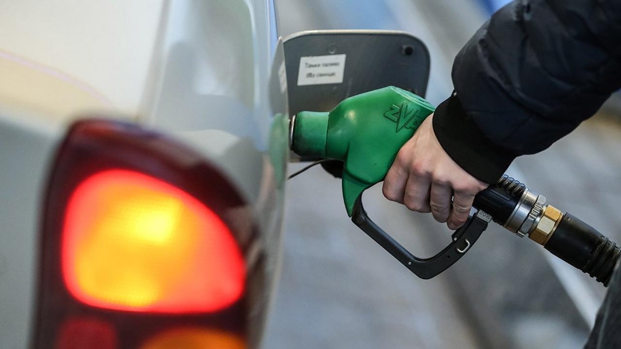 В Казахстане снижаются цены на бензин