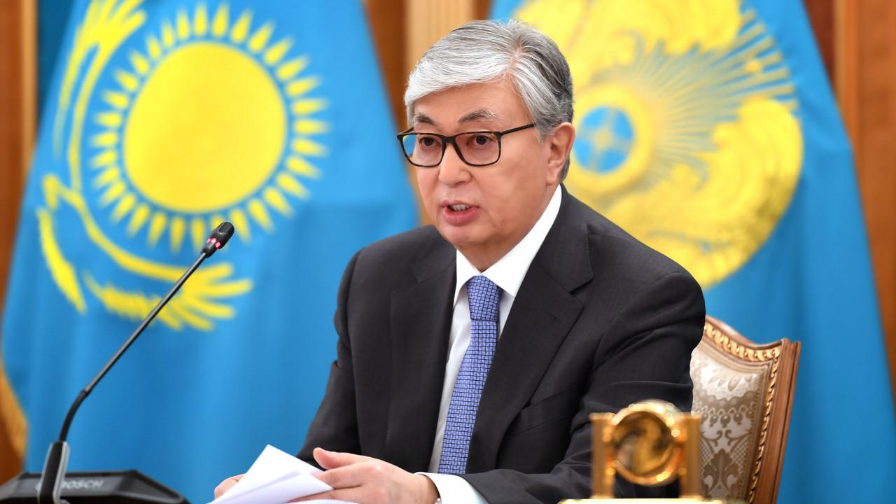 Президент Казахстана выразил соболезнования семье погибшего егеря