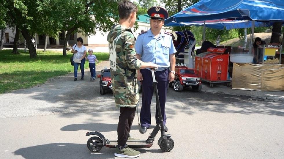 Владельцам электросамокатов разъясняли правила эксплуатации полицейские Петропавловска