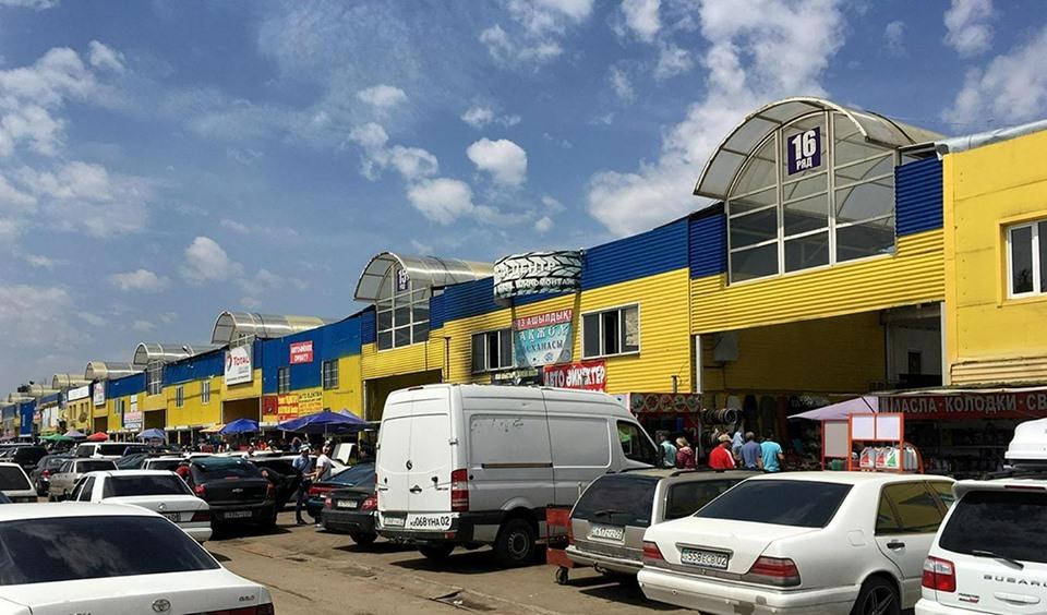 """Рынок автозапчастей """"Жибек жолы"""" в Алматы сносить не будут"""