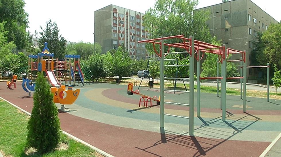 В Ауэзовском районе Алматы осталось отремонтировать 517 дворов
