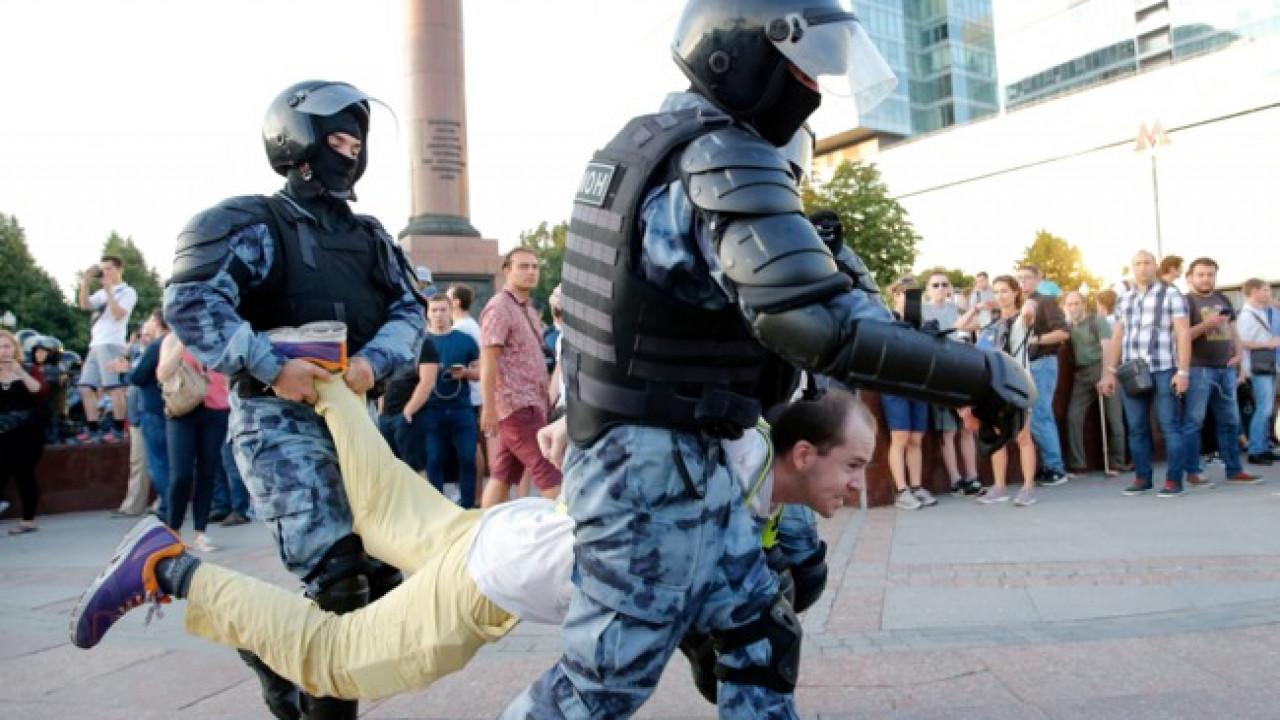 В Москве задержали больше 1300 митингующих