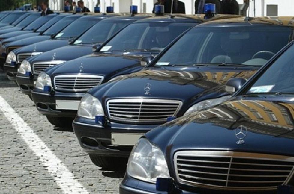 Казахстанским чиновникам запретили закупать иномарки