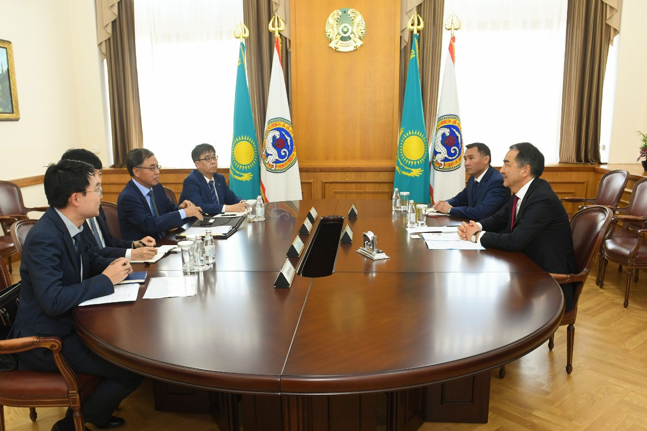 Бакытжан Сагинтаев провел встречу с генконсулом Южной Кореи в Алматы