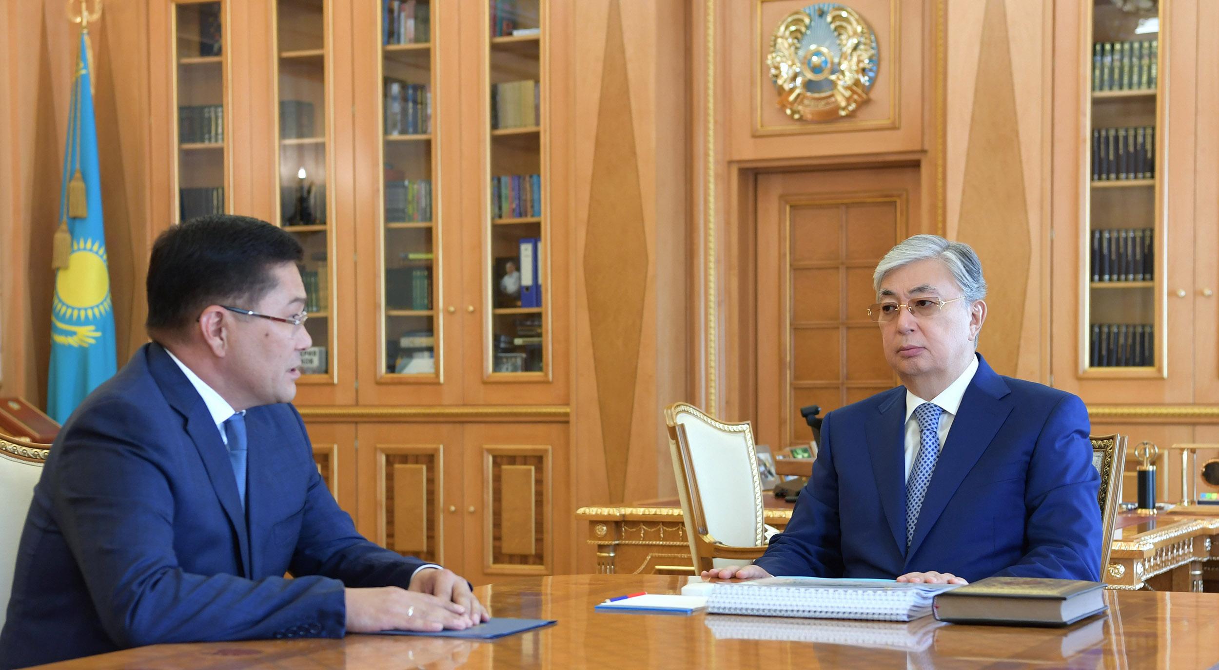 Глава государства принял нового акима Шымкента