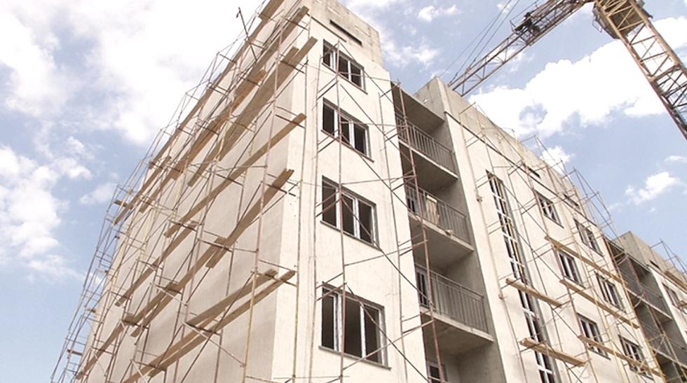 На трёх соцобъектах Алматы срывают сроки строительства