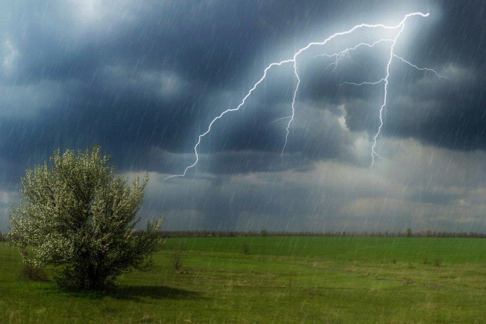 Циклон из Мурманска и сильная жара: погода в Казахстане 7 августа