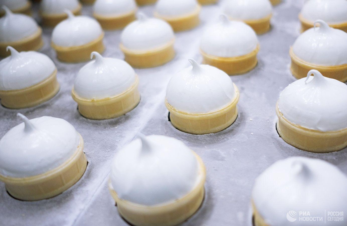 Мороженое из козьего молока начали выпускать в Атырау