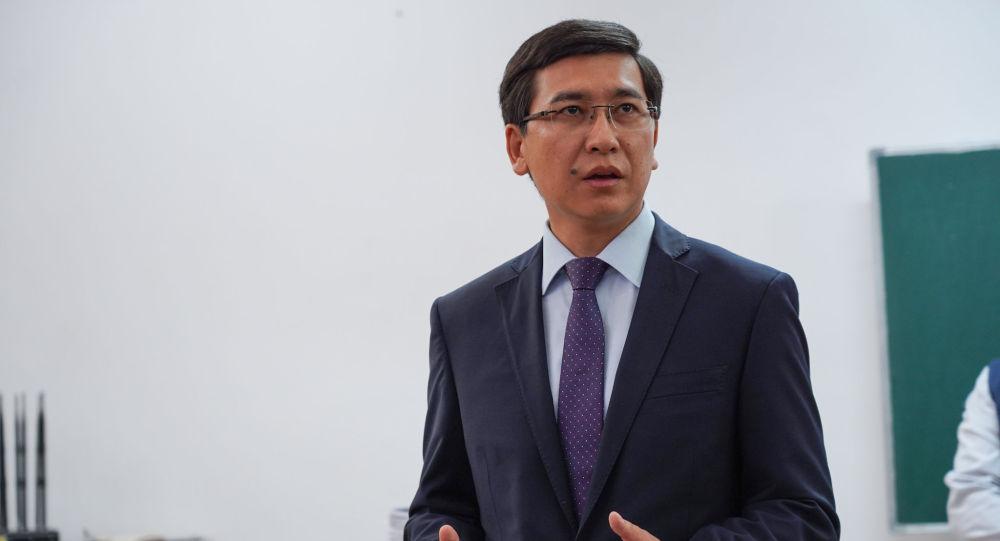 Министр образования и науки высказался о качестве учебников