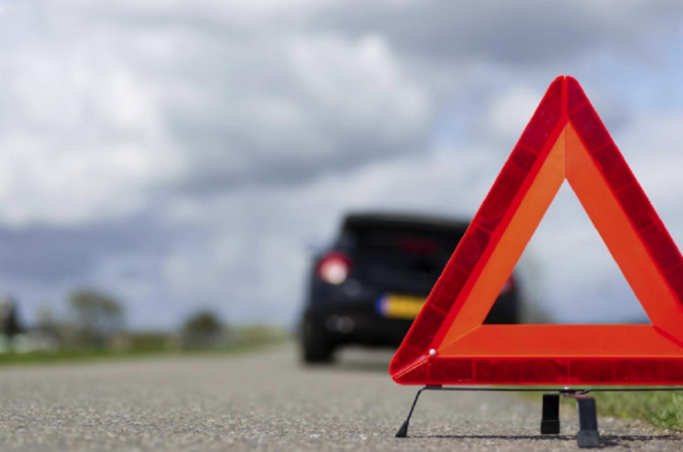 Полицейские Алматы разыскивают водителя BMW, сбившего девушку с ребенком