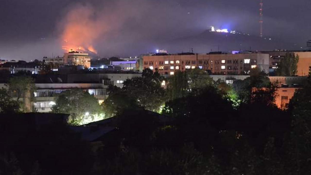 Второе возгорание сухостоя за день на горе Кок-тобе в Алматы