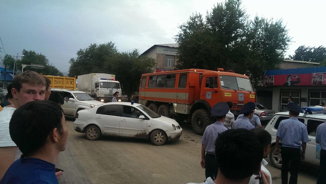 Эвакуация из-за угрозы селя в Алматы: людей просят сохранять спокойствие
