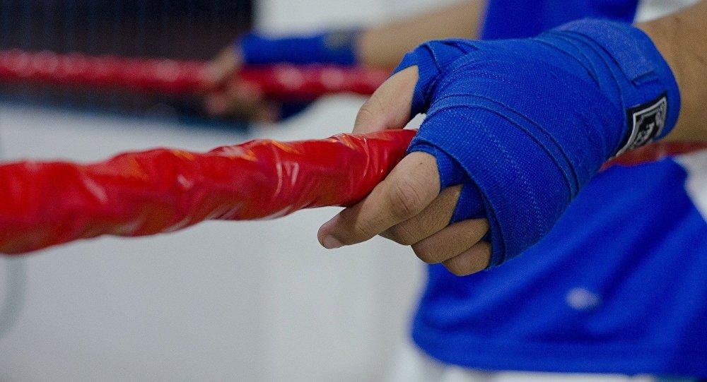Қазақ жігіті жеңілмеген боксшыны ұтып, 3 бірдей чемпиондық белбеуді иеленді