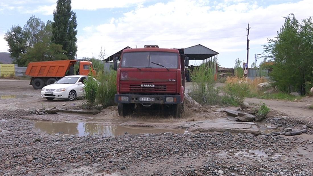 Наурызбай ауданының тұрғындары тас үгітетін кәсіпорынды жауып тастауды талап етуде