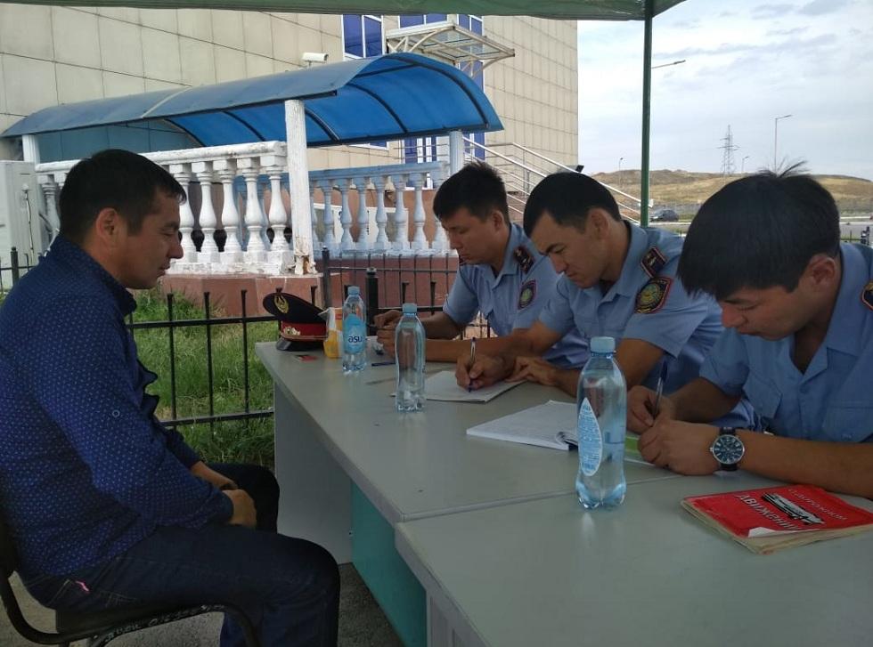Алматинские инспекторы несут службу во дворах