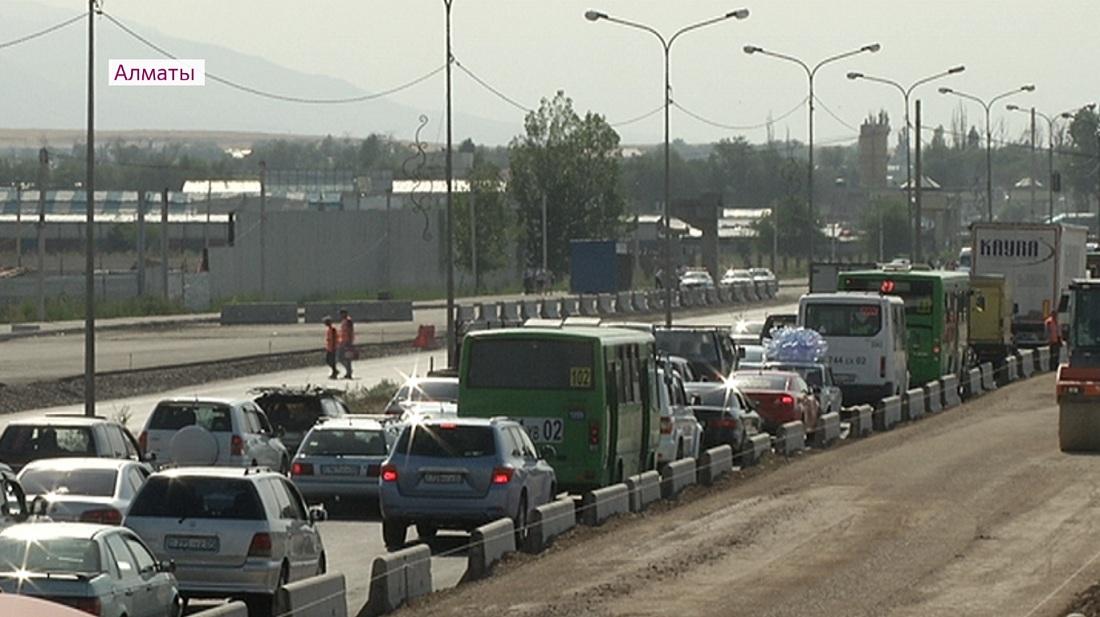 «Алматы-Бішкек» тас жолы құрылысының 60 пайызы аяқталды