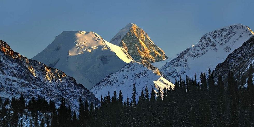 Пропавшие альпинисты: КЧС возобновил поиски