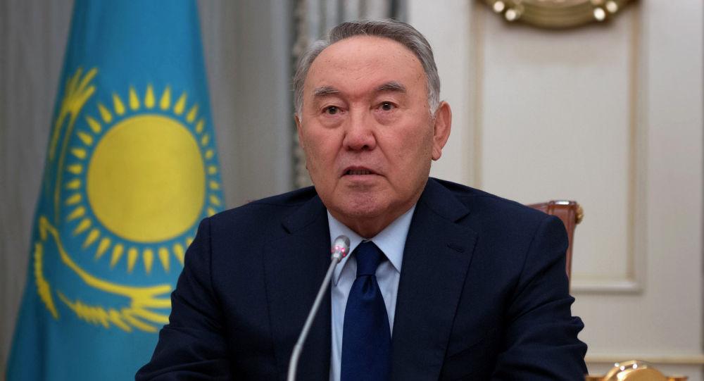 Назарбаев блогерлерге жауап беруге шақырды