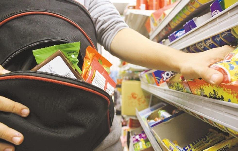 Дети забрались в дом и украли продукты питания в ЗКО