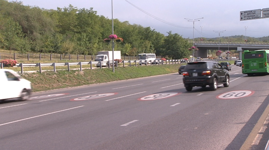 Дорожные разметки 80 км/ч обновят на аль-Фараби и ВОАД в течение двух недель
