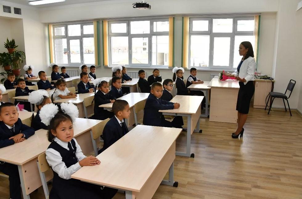 Какие вопросы задали родители школьников главе управления образования Алматы