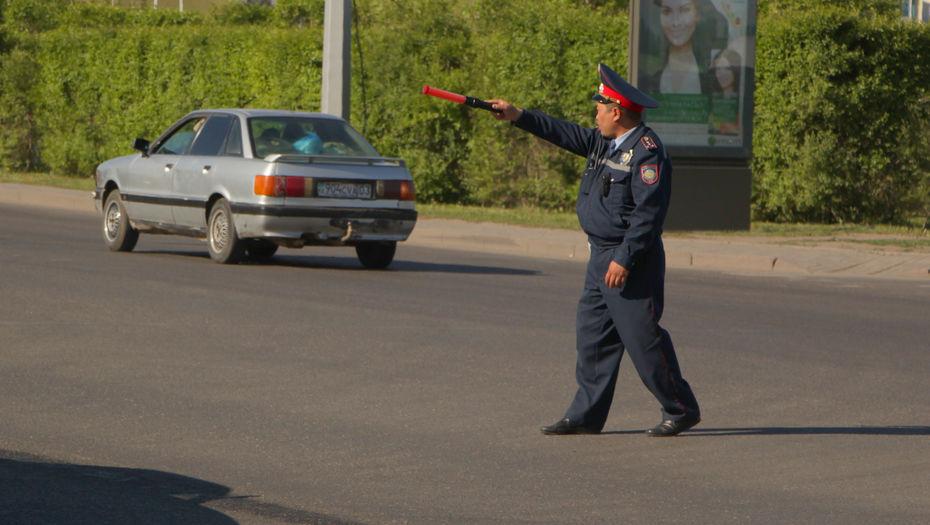 Жезлы вернули дорожным полицейским