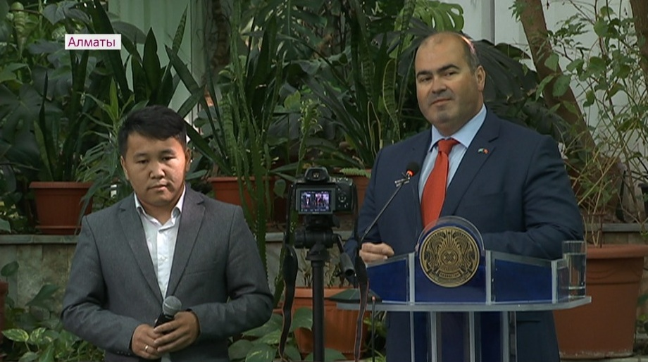 Послание президента обсудили в алматинском институте языкознания