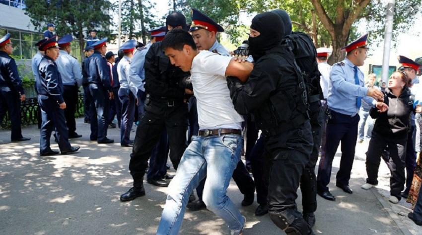 Общение с митингующими: новое подразделение полиции Алматы