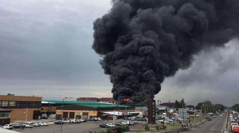 Пожар на барахолке: начата проверка