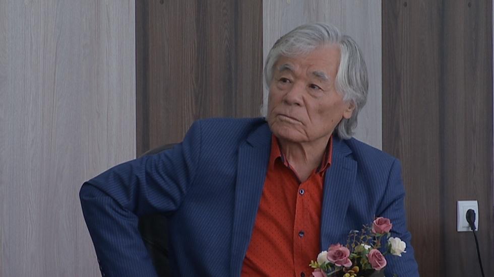 Исраил Сапарбаев объявил о публикации двух своих книг