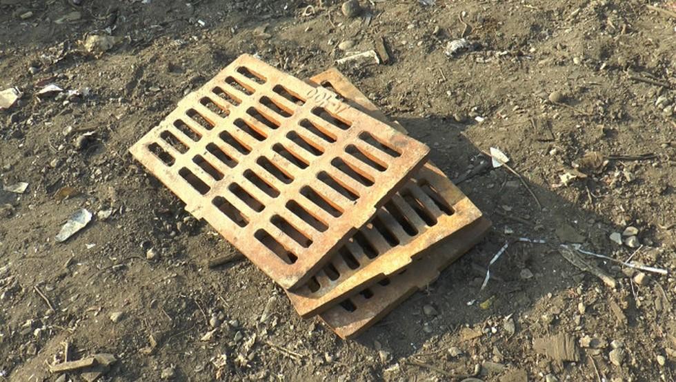 Похитителей крышек канализационных люков задержали полицейские Алматы