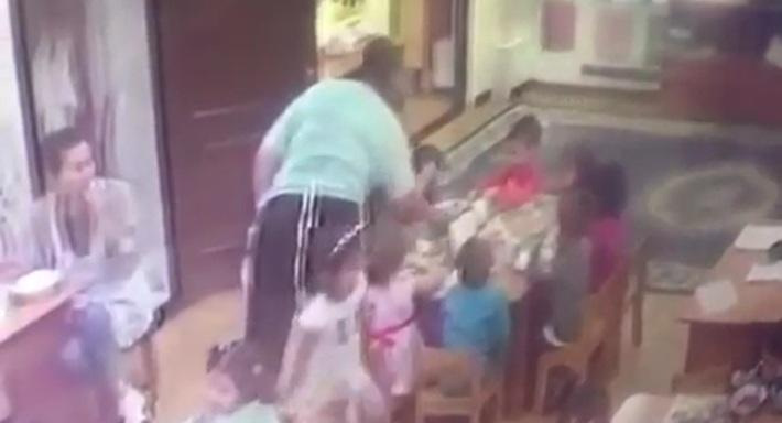 Ударила ребенка за обедом - очередной скандал в детсаду Алматы