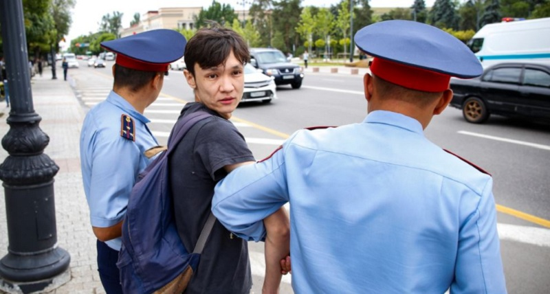 Митинги в Казахстане: уведомить обязаны