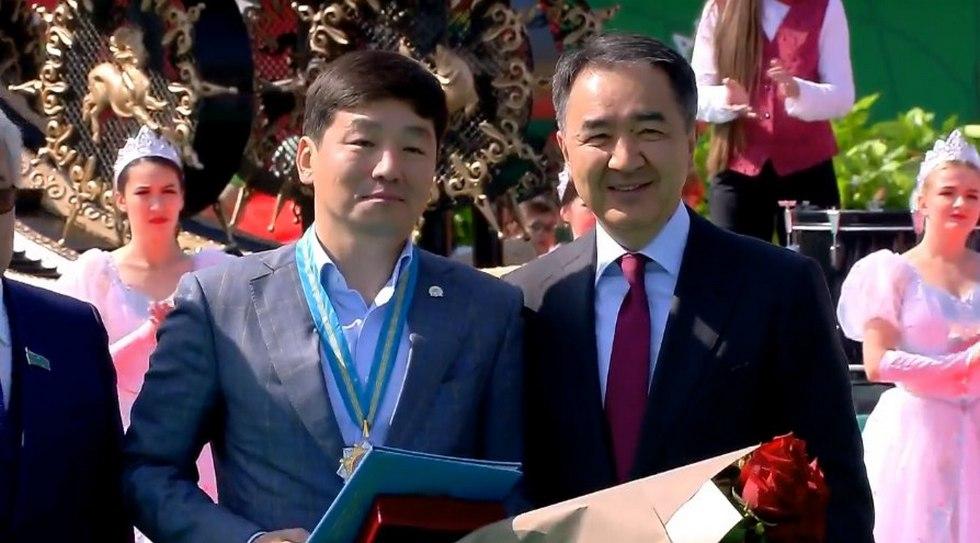 Почетным гражданином Алматы стал Бауыржан Байбек
