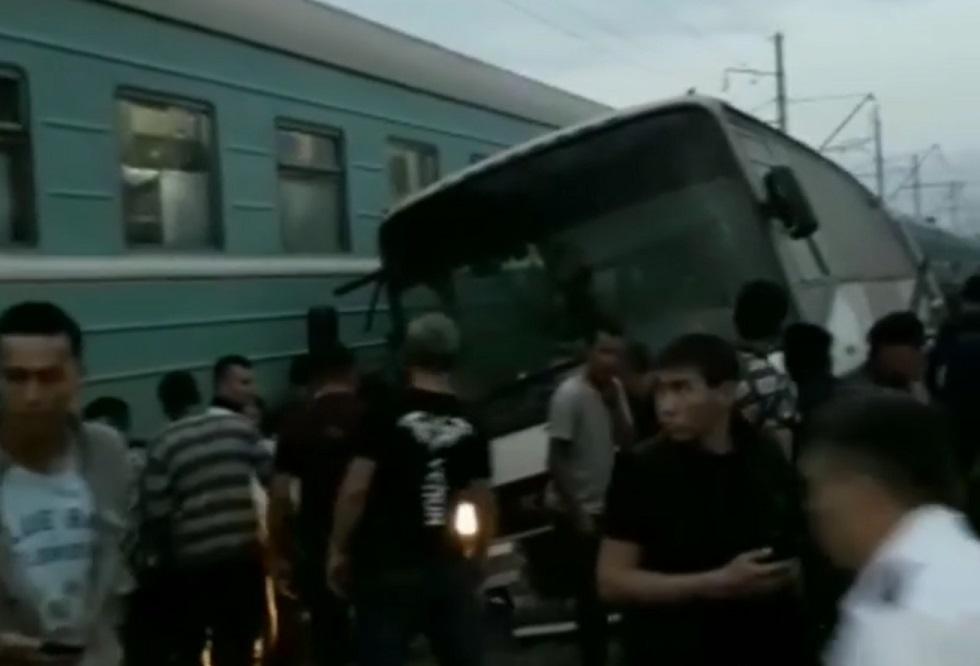 ДТП с поездом: жена погибшего водителя автобуса была кондуктором и чудом выжила