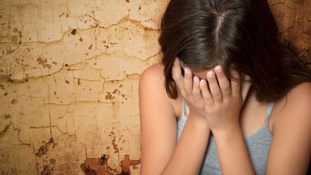 Насиловал приемную дочь: девочка забеременела в 13 лет в Атырауской области