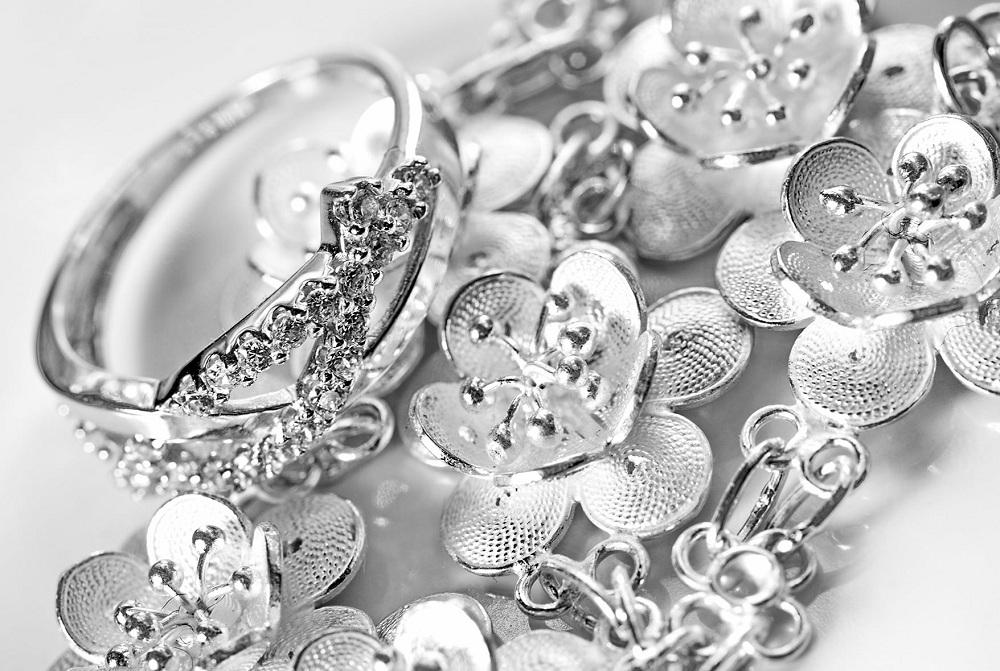 Более 60 кг ювелирных изделий из серебра изъяли у жителя Шымкента