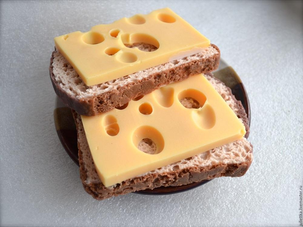 Только хлеб и сыр: почти 30 лет необычную диету держит жительница Великобритании