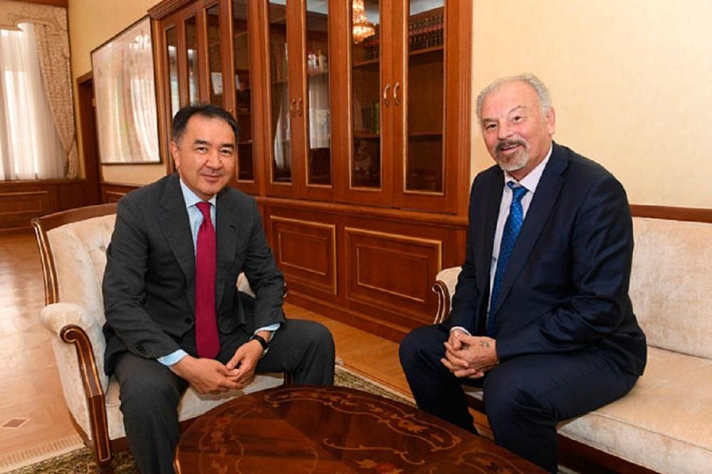 Бакытжан Сагинтаев встретился с деятелями науки и культуры