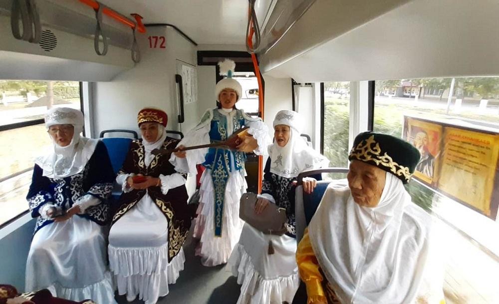 Поэтический трамвай появился в Павлодаре