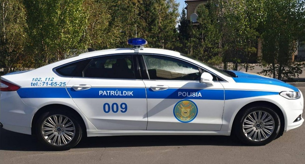 На патрульные автомобили полицейских в Казахстане нанесут надпись на латинице